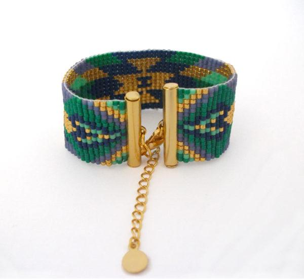bracelet manchette tissage perles Miyuki vert bleu doré violet apprêts dorés à l'or fin motif ethnique