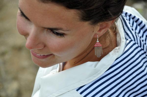 Boucles d'oreilles tissées en perles miyuki style marin blanc et rouge