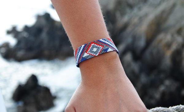 Bracelet manchette tissé Tonnerre de Brest rouge blanc et bleu apprêts argentés
