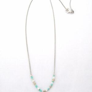 Collier Blue Lake avec perles Miyuki montées sur une fine chaine argenté