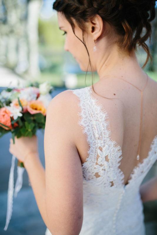 photo mariée collier boucles doré blanc swarovski