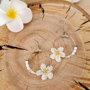 Boucles créoles fleur frangipanier