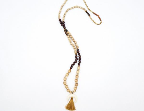 collier sautoir perles bois pembe 2