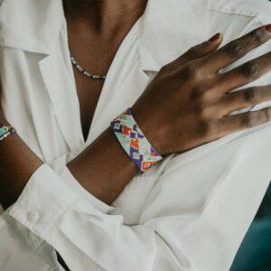 Bracelet et collier portés collection Nefertiti