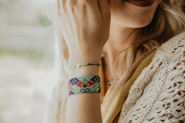 bracelets nefertiti portés poignet