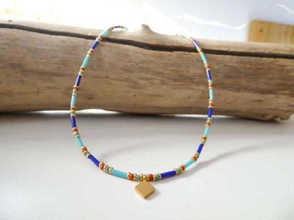 Collier Horus perles en verre bleu ocre