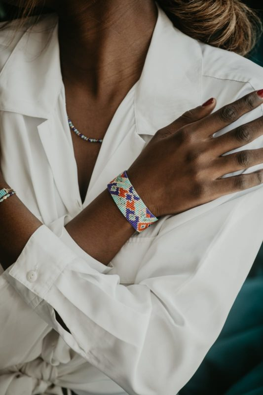 bracelet tissé perles large